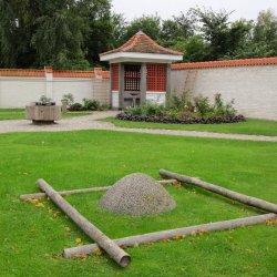 Pils dārzs rudenī