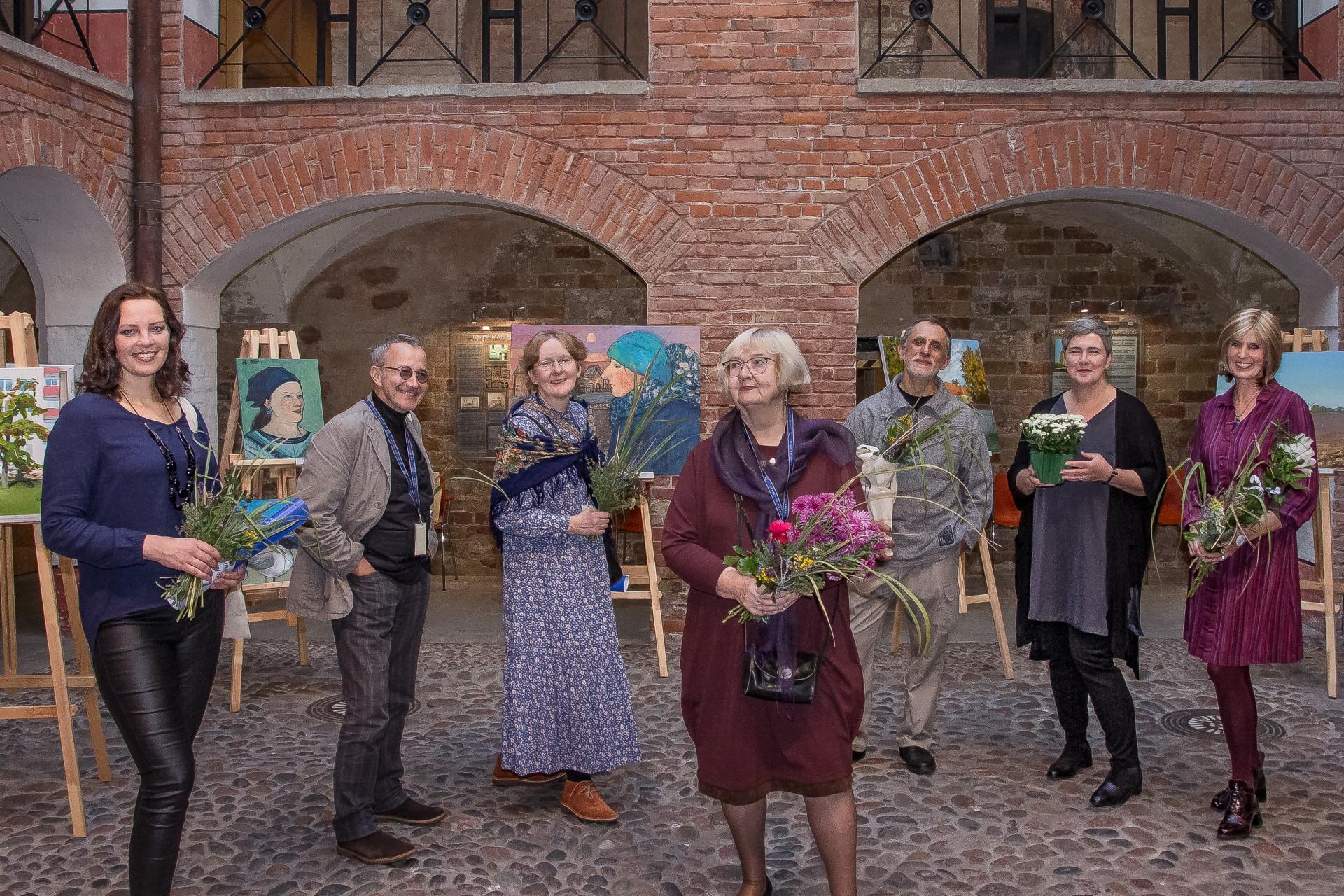 Beidzies plenērs, lai dzīvo izstāde! Ventspils muzeja glezniecības plenērs 2021'noslēdzies ar izstādi Livonijas ordeņa pilī