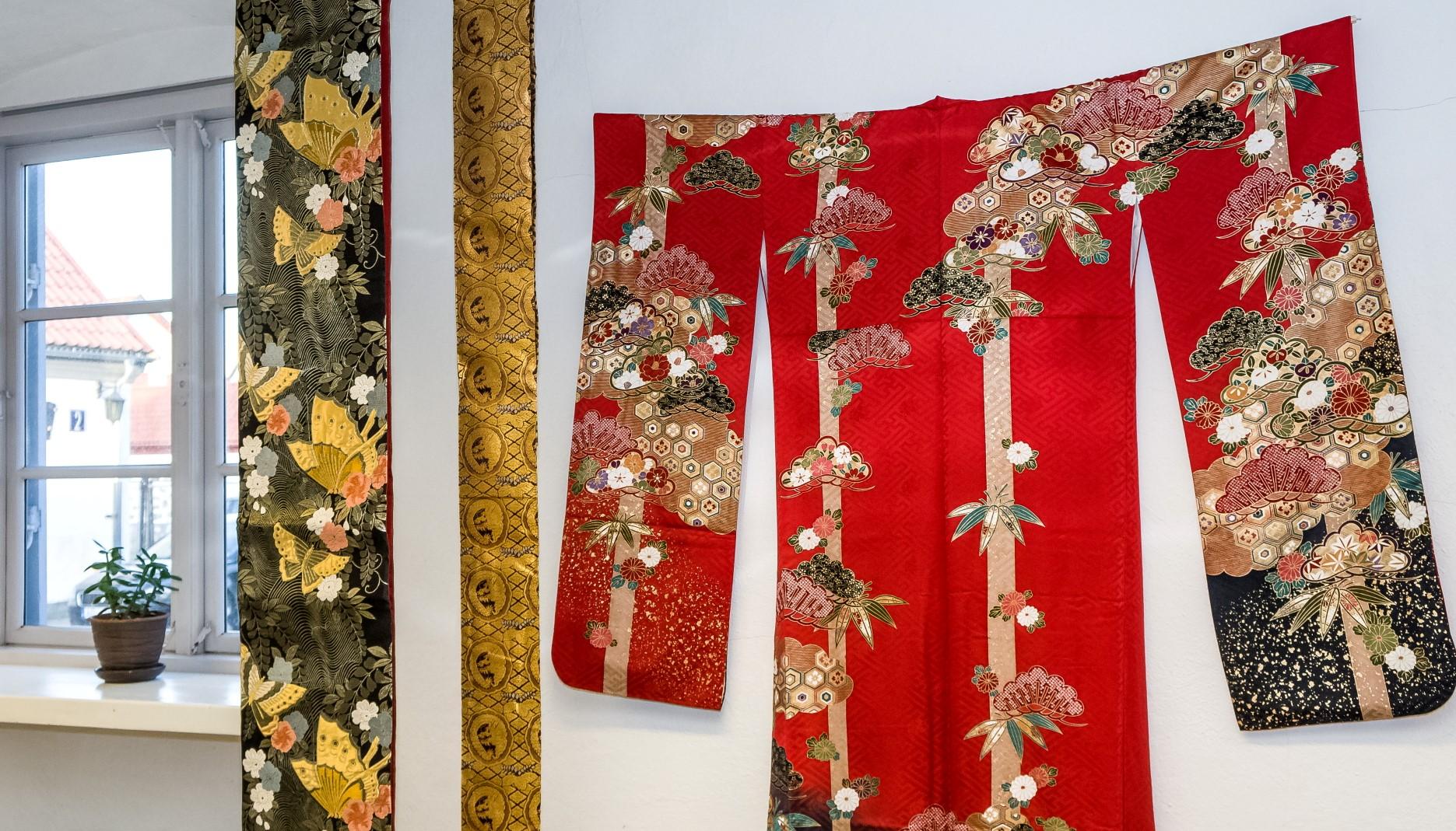 Pavasara ziedēšanas laikā aicina iepazīt krāšņus ornamentus japāņu jostās
