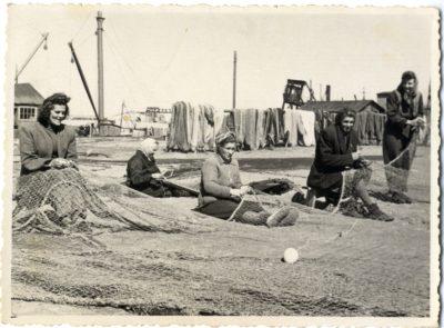 zvejnieku-artela-sarkana-baka-tiklu-lapitajas